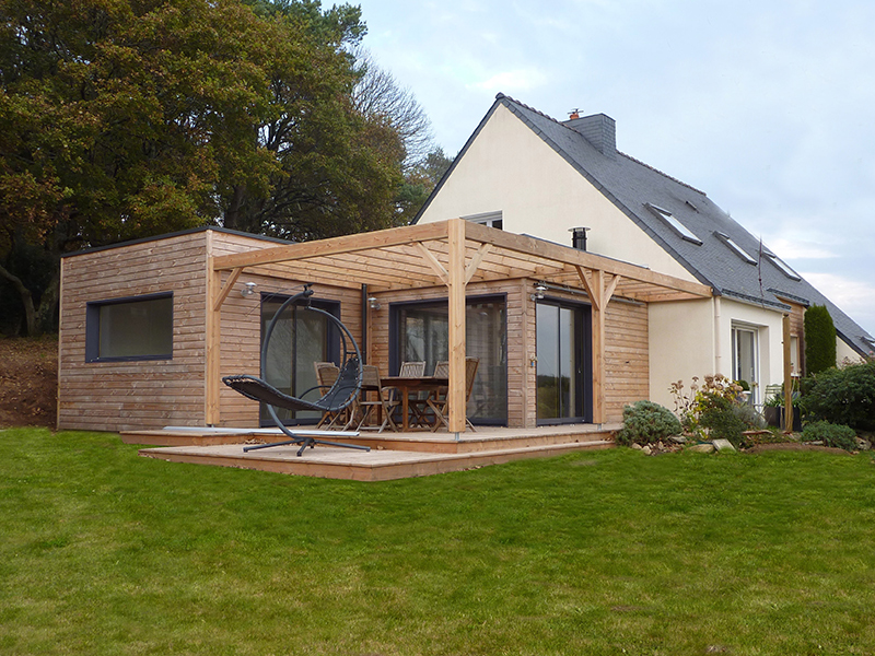 Extension et r novation avec terrasse gestel 56 kerwood for Toiture extension maison